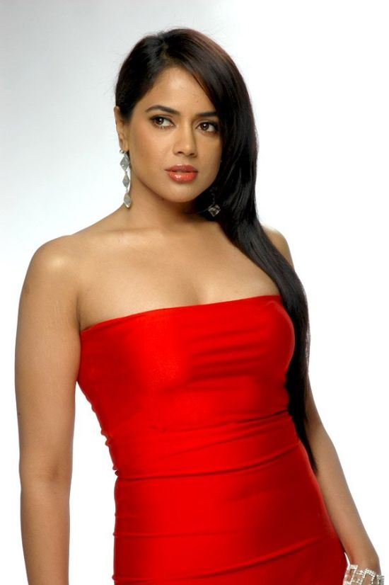 Bollywood sexy Actress Sameera Reddy hot in Red Photos Sameera Reddy acting ...